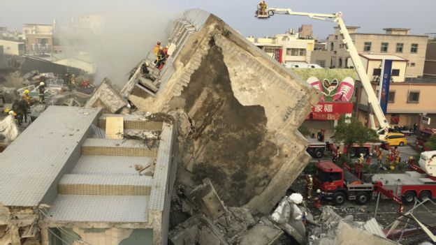 160206012902_cn_taiwan_earthquake_01_640x360_reuters_nocredit (1)