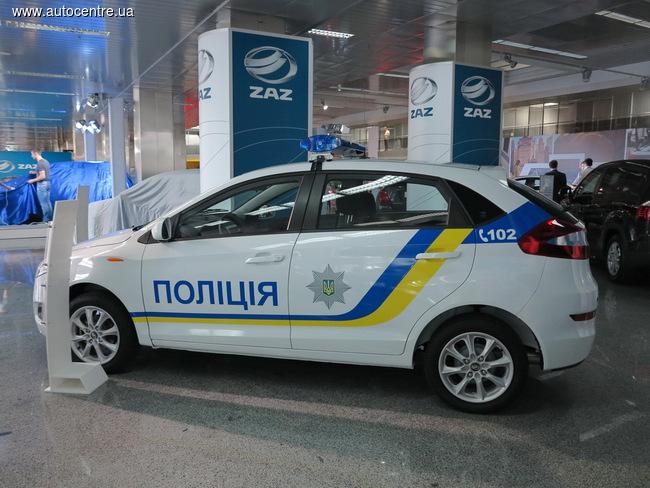 zaz-pokazal-novye-avtomobili-dlya-politsii-i-medikov-video_4