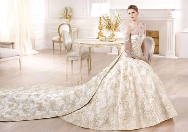 Надзвичайно гарні весільні сукні з туалетного паперу ( відео ... bbd1025161f0a