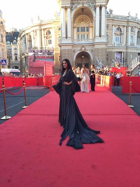 джамала  елегантному платті