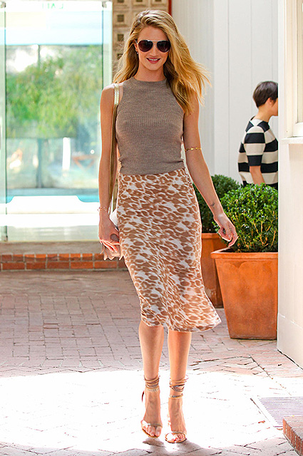 51064784 Model and actress Rosie Huntington-Whiteley leaving a salon in West Hollywood, California on April 11, 2013. FameFlynet, Inc - Beverly Hills, CA, USA - +1 (818) 307-4813