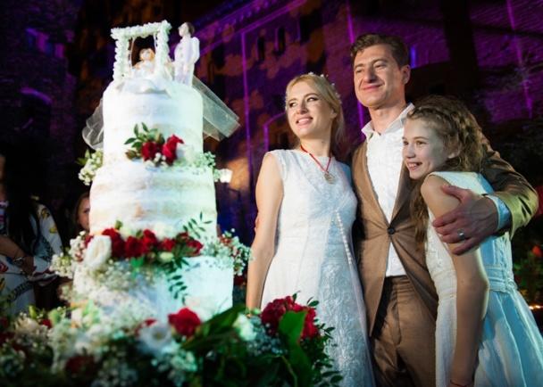 весілля горбачової з тортом