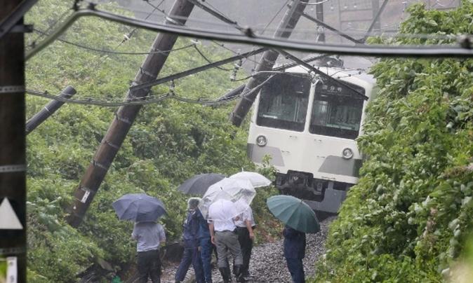 японія тайфун