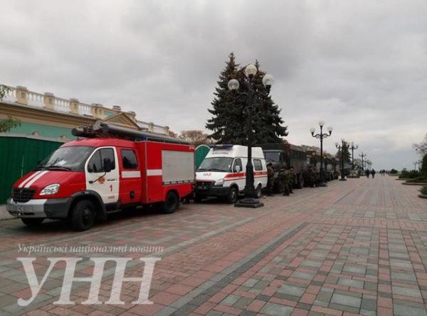 Стычка чернобыльцев с полицией произошла под Радой: вход в здание заблокирован - Цензор.НЕТ 4368