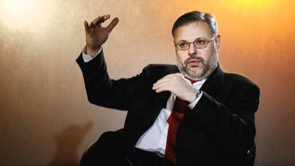 Михаил Хазин: Через три месяца бежать будет поздно
