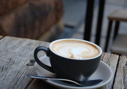 Кава з молоком: корисно чи шкідливо