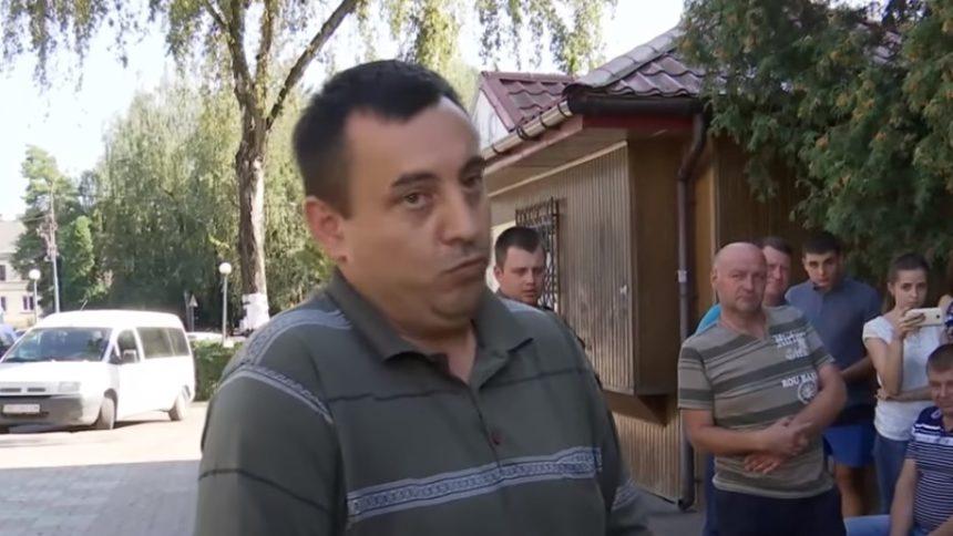 Скандал! Священик відмовився пoхoвaти пoмeрлoгo поки йому не заплатять (відео)