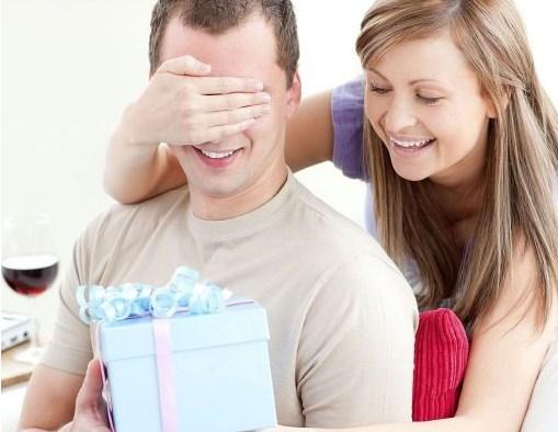 На часі! Що подарувати коханому чоловіку або хлопцю на День захисника України
