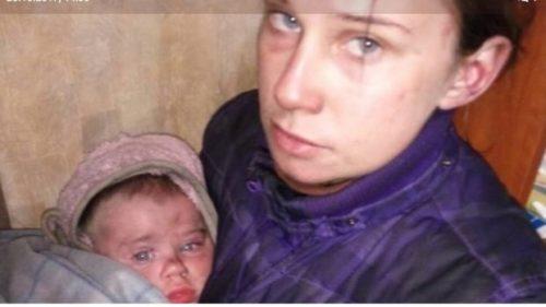 21-річна мати зі своїм немовлям жили в наметі серед лісу: опубліковані жaxливi фото