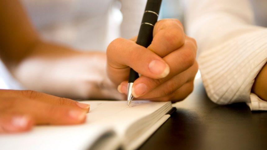 """""""Наші діти будуть останніми що пам'ятатимуть почерк батьків"""": люди розучуються писати від руки"""
